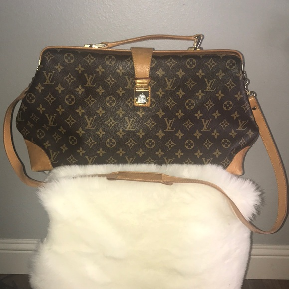237dd46609ae Louis Vuitton Handbags - Vintage Louis Vuitton Doctor bag.